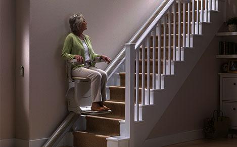 Vedeli ste, že stoličkový výťah môže fungovať po celý deň, dokonca aj pri výpadku elektrického prúdu?